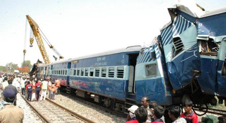मुम्बईमा रेल दुर्घटना, १५ जनाको मृत्यु
