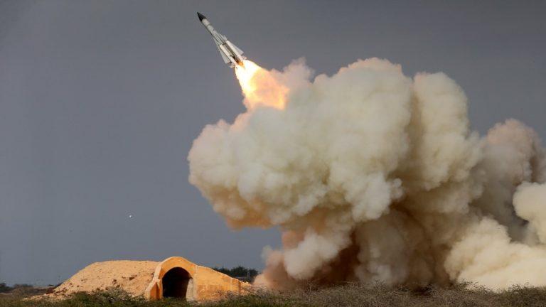इरानद्वारा २ अमेरिकी सैन्य आधार शिविरमा क्षेप्यास्त्र आक्रमण