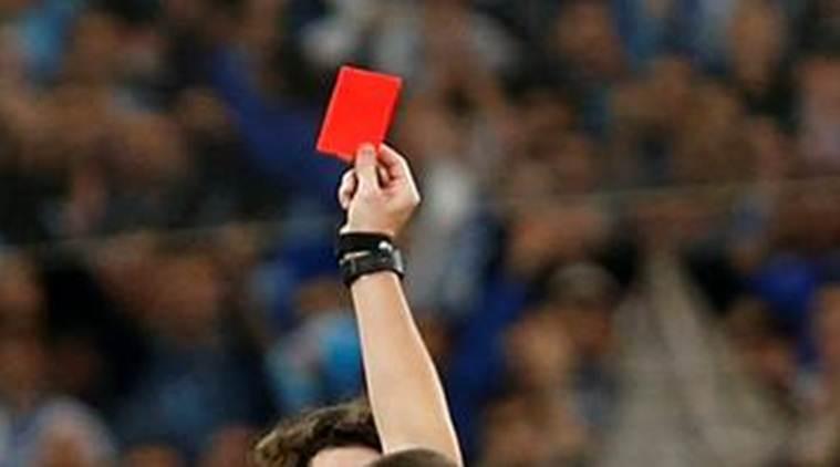 फुटबलमा खेलाडीले अबदेखि जानाजान हाछ्युँ गरे रेर्ड कार्ड दिइने