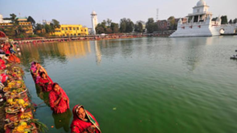 बुधबारदेखि छठपर्वको तयारी : भीडभाड नगरीकनै राजधानी काठमाडौं लगायत तराइमा मनाइने