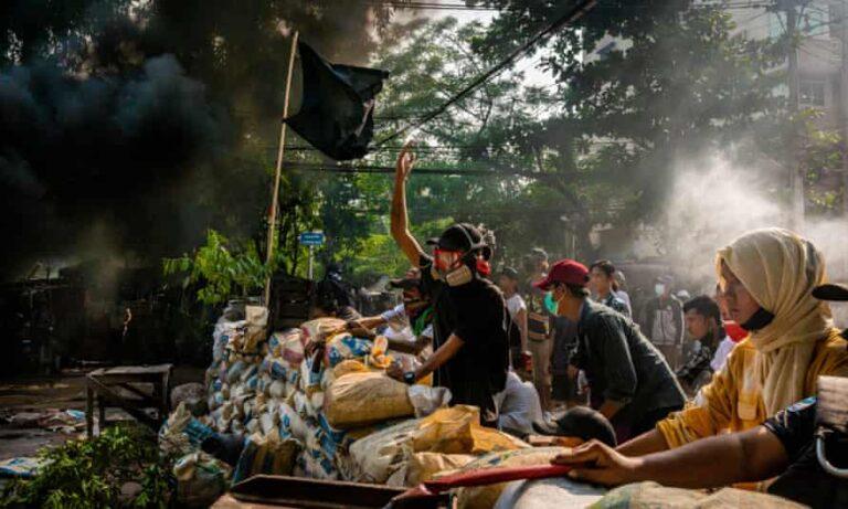लोकतान्त्रिक सरकार पुनर्बहाली नहुँदासम्म म्यान्मारसँगको अमेरिकी व्यापार सम्झौता स्थगित